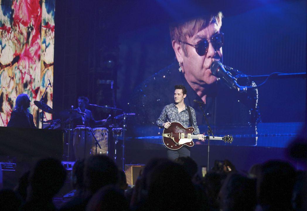 Foto Elton John, Sam Palladio