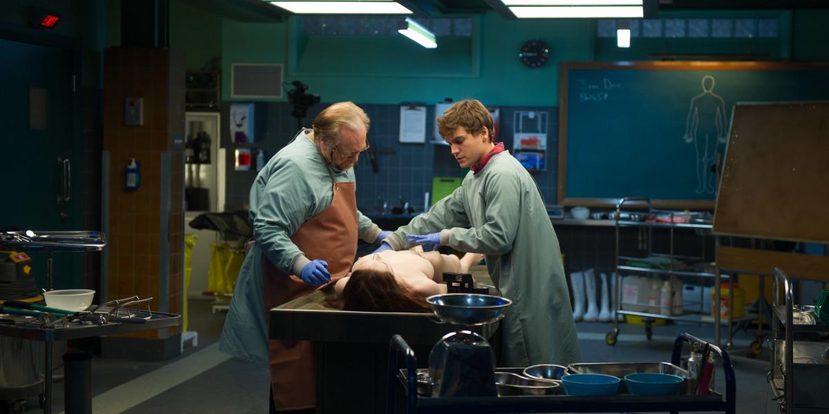 La autopsia de Jane Doe : Foto Brian Cox, Emile Hirsch