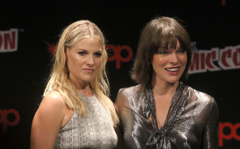Resident Evil: El capítulo final : Couverture magazine Ali Larter, Milla Jovovich