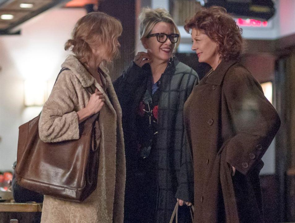 3 generaciones : Foto Elle Fanning, Linda Emond, Susan Sarandon