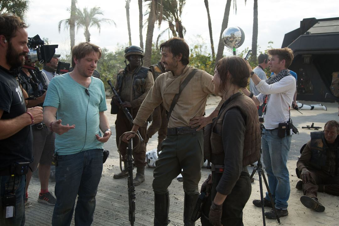 Rogue One: Una historia de Star Wars : Foto Diego Luna, Felicity Jones, Gareth Edwards (II)