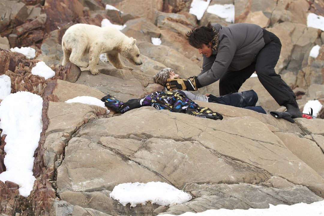 Midnight Sun: Una aventura polar : Foto Dakota Goyo, Goran Visnjic