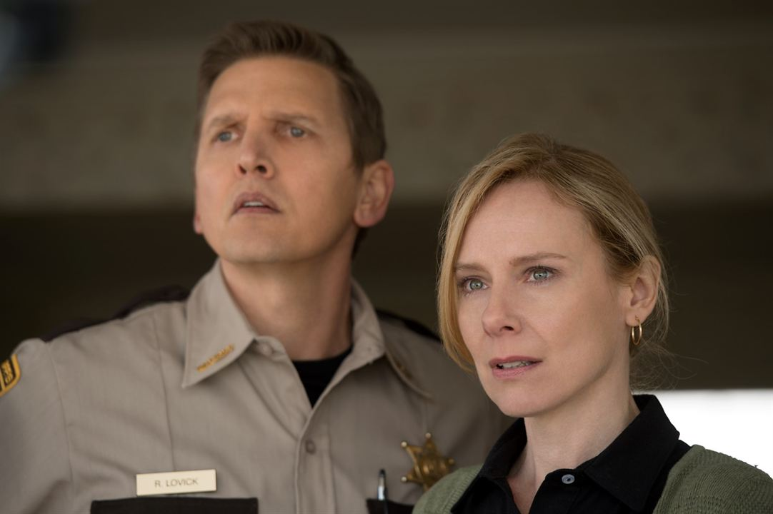 Monster Trucks : Foto Amy Ryan, Barry Pepper