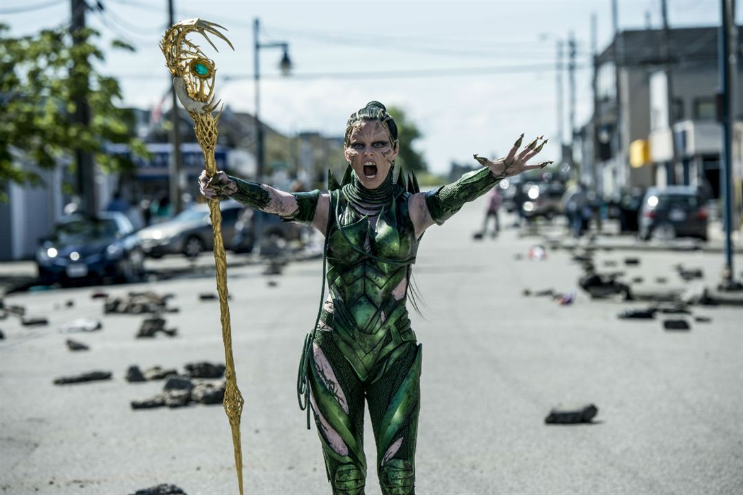 Power Rangers : Foto Elizabeth Banks