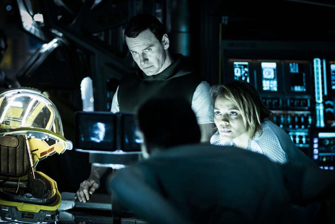 Alien: Covenant : Foto Carmen Ejogo, Michael Fassbender