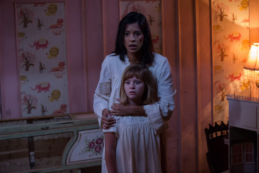 Annabelle: Creation : Foto Lulu Wilson, Stephanie Sigman