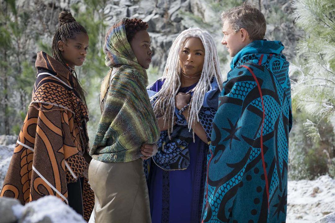 Black Panther : Foto Angela Bassett, Letitia Wright, Lupita Nyong'o, Martin Freeman