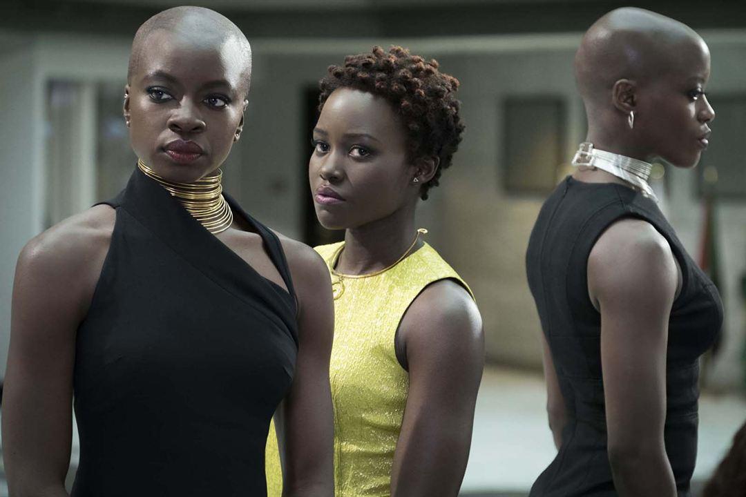 Black Panther : Foto Danai Gurira, Lupita Nyong'o