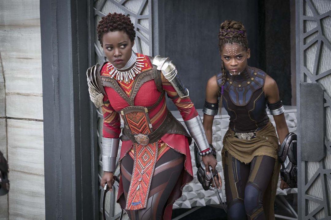Black Panther : Foto Letitia Wright, Lupita Nyong'o