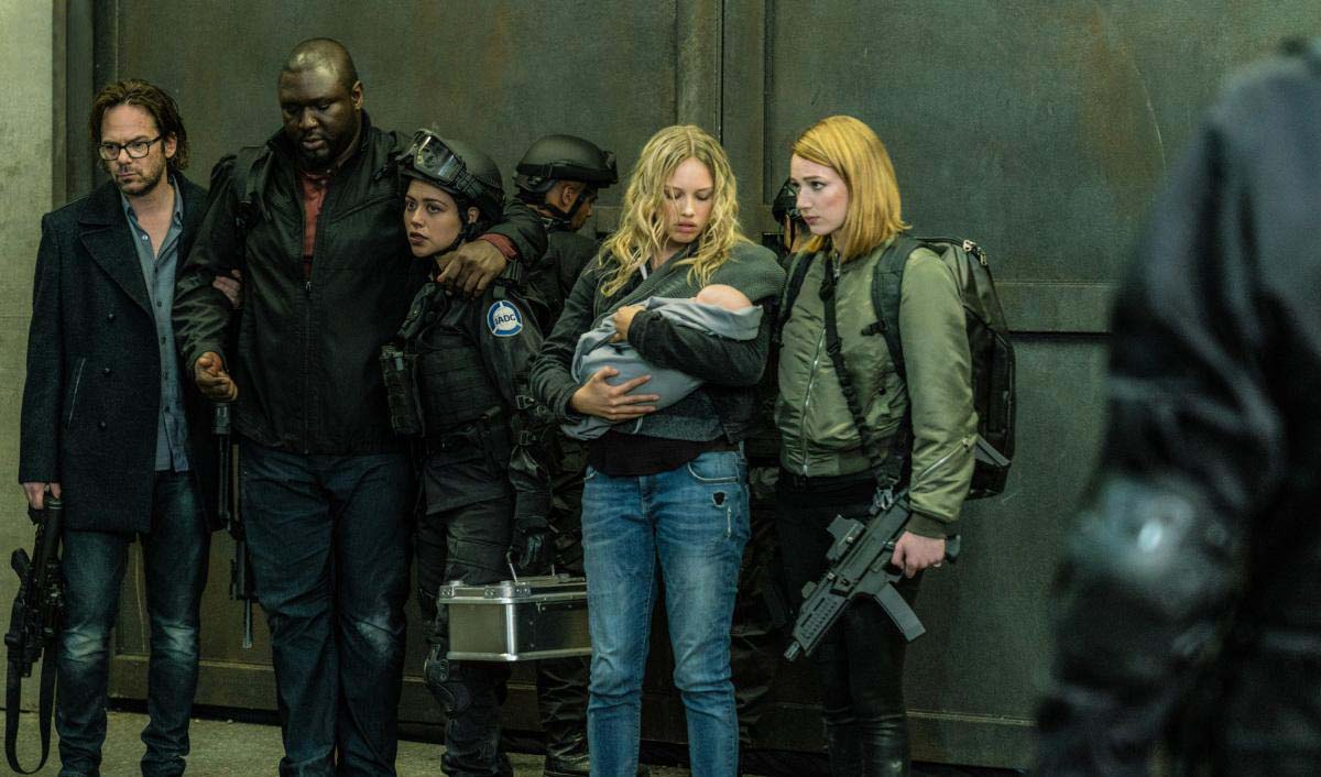 Foto Alyssa Diaz, Billy Burke, Gracie Dzienny, Kristen Connolly, Nonso Anozie
