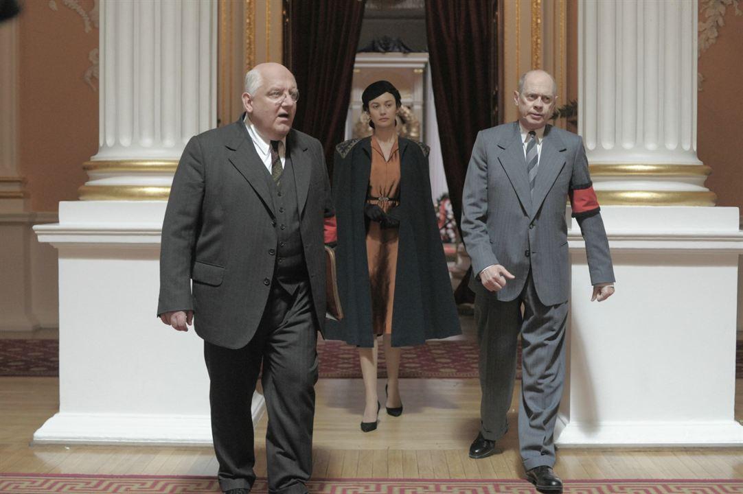 La muerte de Stalin : Foto Olga Kurylenko, Simon Russell Beale, Steve Buscemi