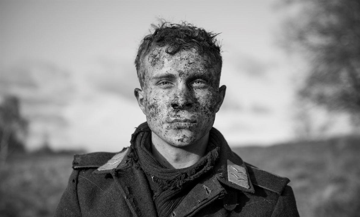 El capitán : Foto Max Hubacher