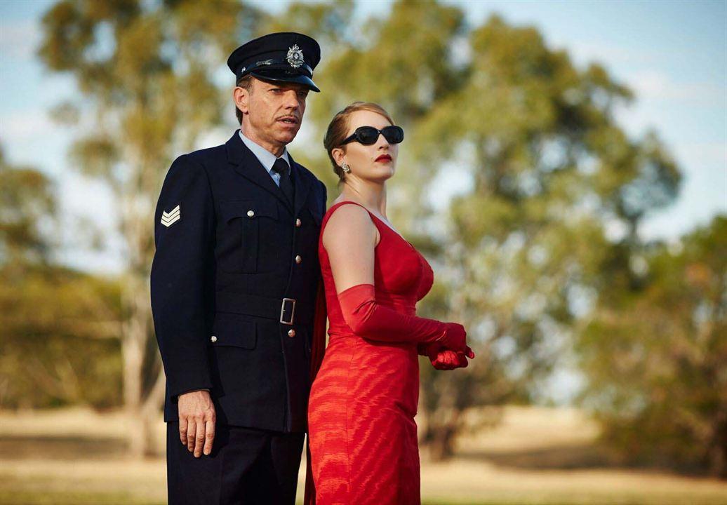 La modista : Foto Hugo Weaving, Kate Winslet