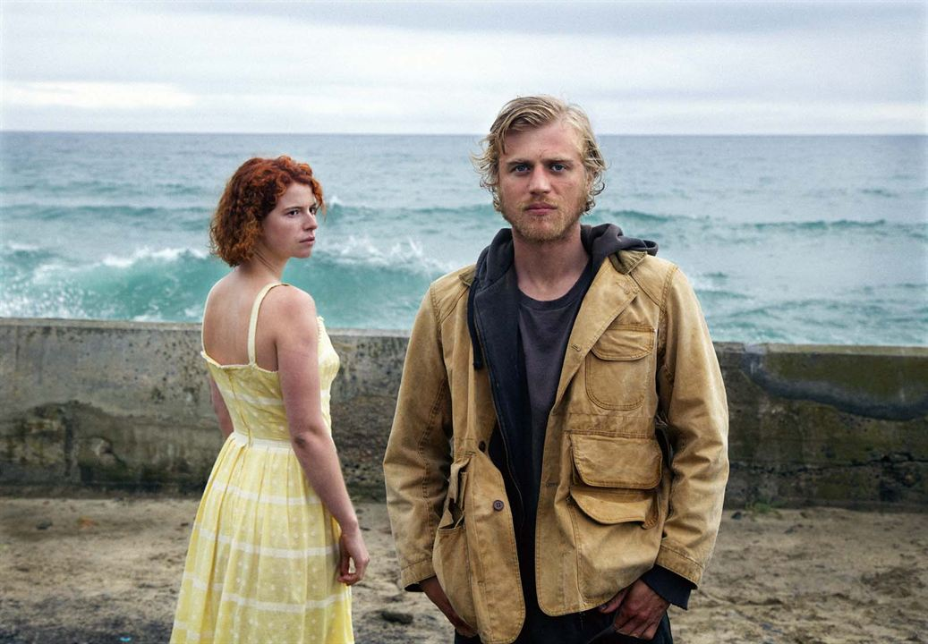 Beast : Foto Jessie Buckley, Johnny Flynn