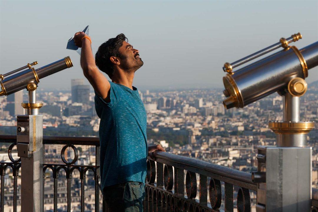 De la India a París en un armario de Ikea : Foto Dhanush