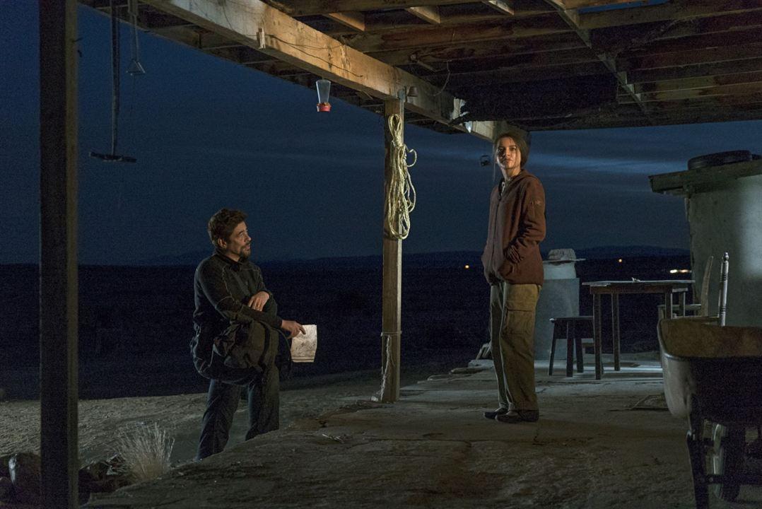 Sicario: El día del soldado : Foto Benicio Del Toro, Isabela Moner