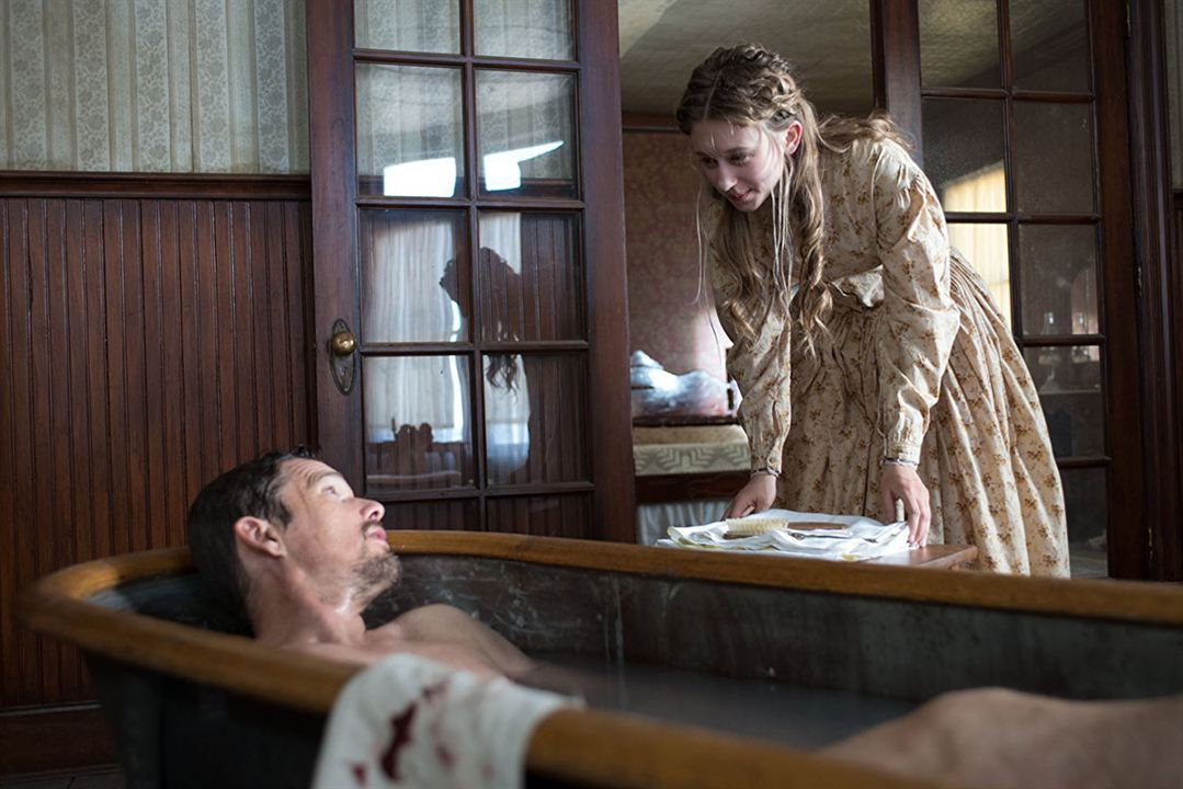 In A Valley Of Violence : Foto Ethan Hawke, Taissa Farmiga