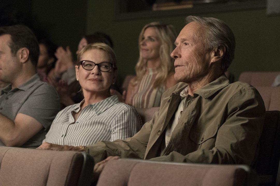 Mula : Foto Clint Eastwood, Dianne Wiest