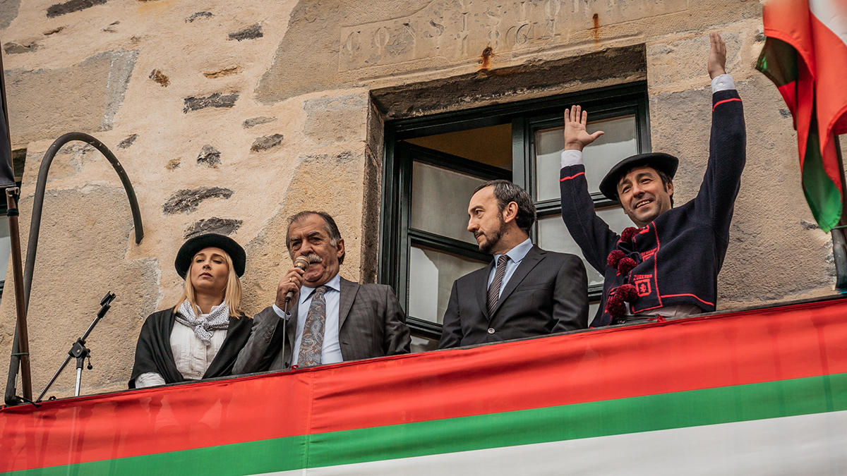 La Pequeña Suiza : Foto Ingrid García Jonsson, Mikel Losada, Ramon Barea