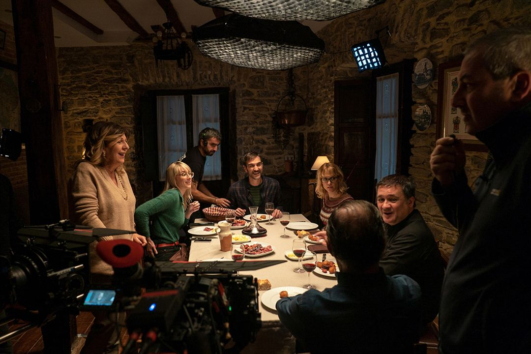 La pequeña Suiza : Foto Ingrid García Jonsson, Jon Plazaola, Maggie Civantos, Secun de la Rosa