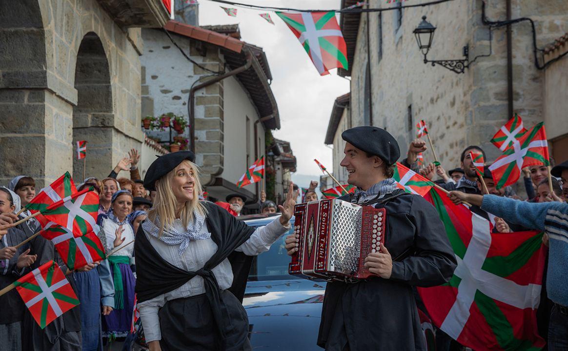 La Pequeña Suiza : Foto Maggie Civantos, Mikel Losada