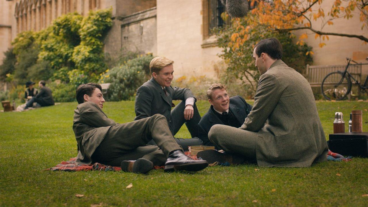 Tolkien : Foto Anthony Boyle, Nicholas Hoult, Patrick Gibson, Tom Glynn-Carney