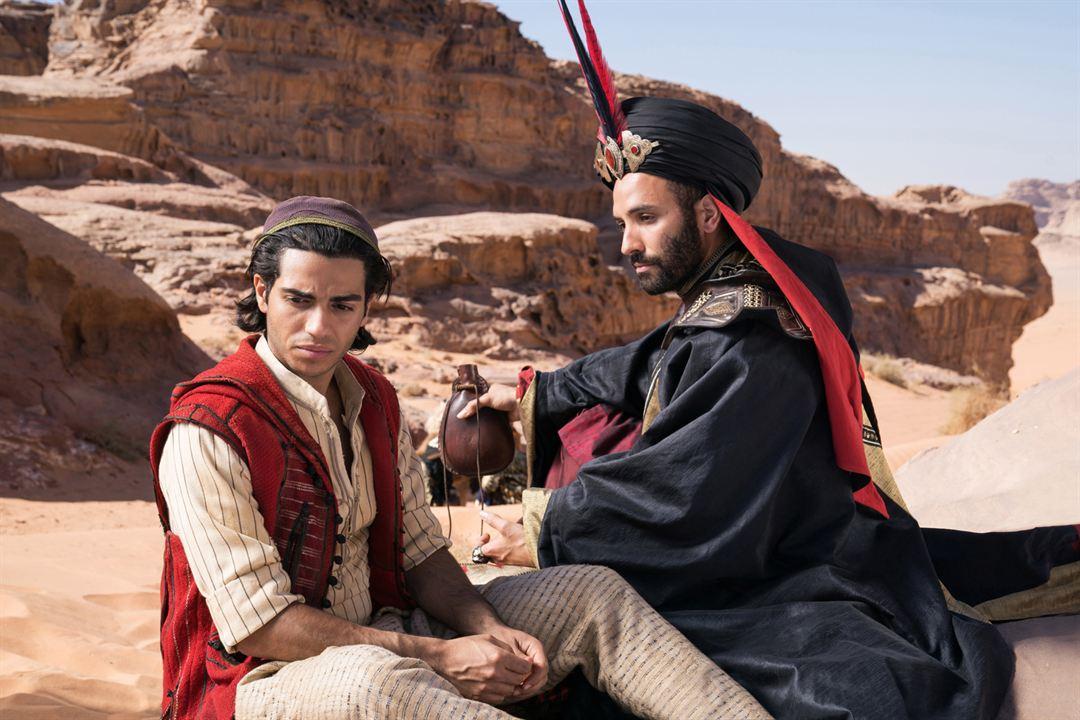 Aladdin : Foto Marwan Kenzari, Mena Massoud