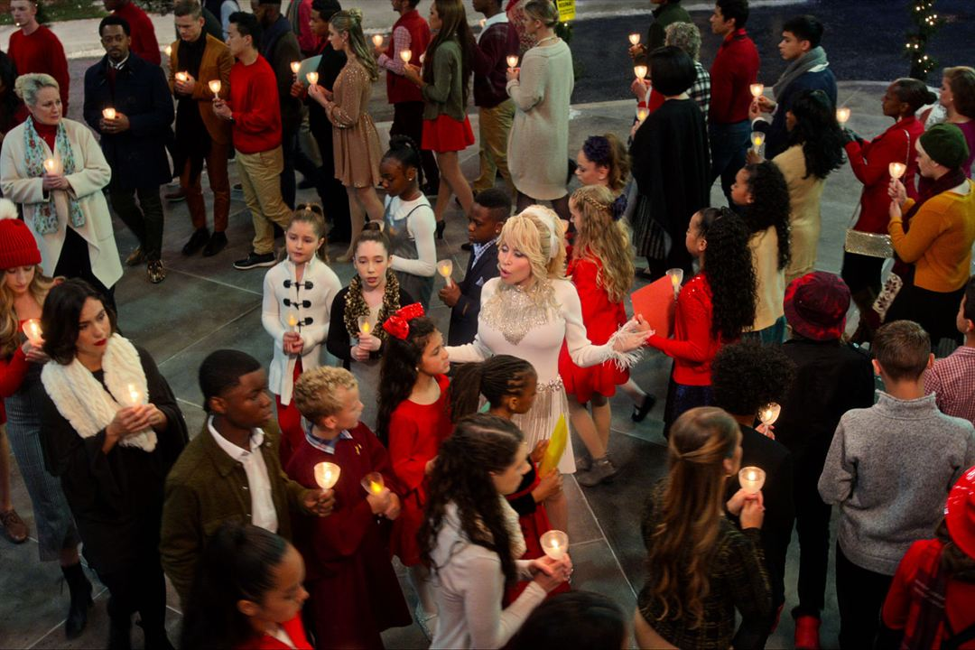 Dolly Parton: Navidad en la plaza: Mary Donnelly-Haskell, Dolly Parton