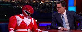 'Power Rangers': Bryan Cranston acude al programa de Stephen Colbert disfrazado de Ranger rojo