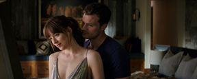 """'Cincuenta sombras liberadas': Dakota Johnson usó """"tangas con pegamento"""" para rodar la película"""