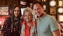 Fallece a los 92 años Lorraine Warren, inspiración de 'Expediente Warren', y Vera Farmiga y Patrick Wilson le rinden homenaje