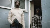 'Casa ajena' (Netflix): Primer tráiler de la película de terror con Matt Smith