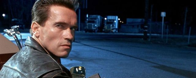 Schwarzenegger Escena El Una Hijo Arnold Famosa Recrea De O0wkZN8XnP