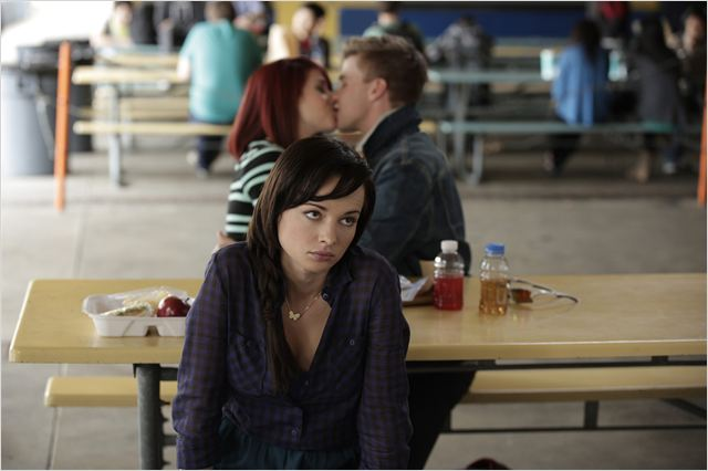 Foto Ashley Rickards, Brett Davern, Jillian Rose Reed