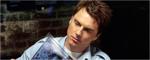 'Arrow' ficha al actor de 'Torchwood' John Barrowman como personaje recurrente