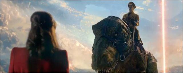 Hitler monta un T-rex en el 'teaser' de 'Iron Sky: The Coming Race'