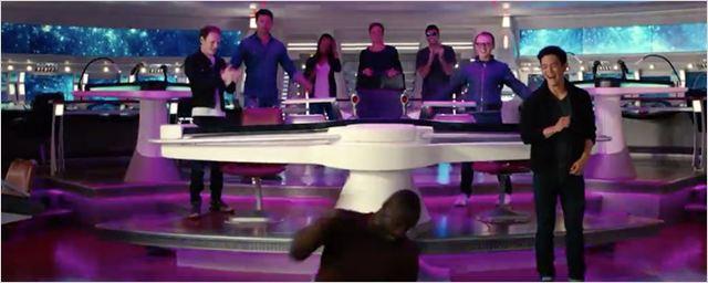 'Star Trek Beyond': El reparto invita a los fans a aparecer en la película en este vídeo ¡con baile incluido!
