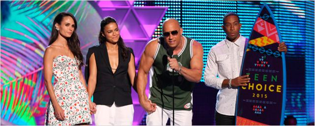 'Fast & Furious': Vin Diesel rinde homenaje a Paul Walker en los Teen Choice Awards