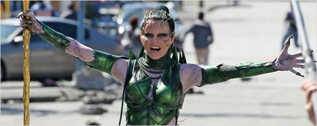 'Power Rangers': Nuevas imágenes del rodaje con Elizabeth Banks como Rita Repulsa
