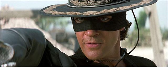 Detenido un hombre disfrazado de El Zorro en el aeropuerto de Los Ángeles