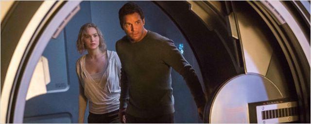 'Passengers': Jennifer Lawrence y Chris Pratt exploran la nave en las nuevas imágenes de la película