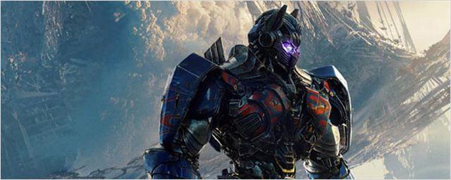 'Transformers: El último caballero': Optimus Prime y Bumblebee se enfrentan en el avance en castellano de la Super Bowl
