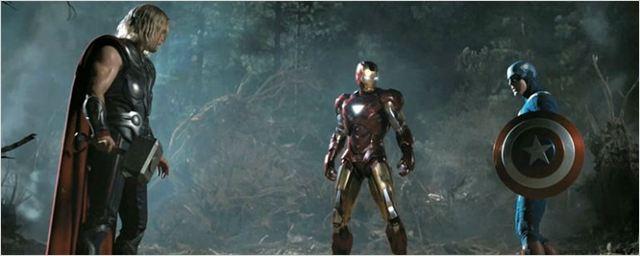 """Robert Downey Jr. intenta desatar una """"guerra civil"""" entre Chris Hemsworth y Chris Evans el día de su cumpleaños"""