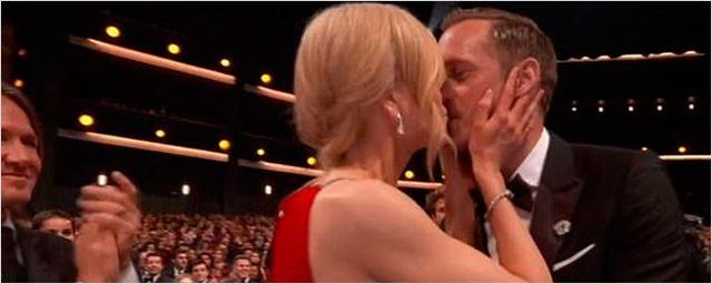 Nicole Kidman explica el comentado beso a Alexander Skarsgård en los Emmy 2017