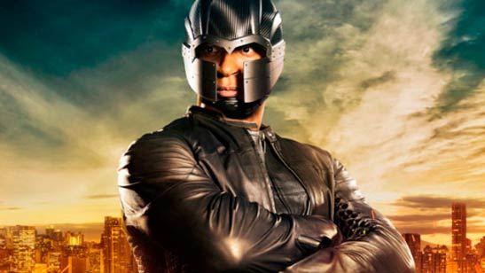 'Arrow': Diggle llevará una nueva máscara en la quinta temporada... ¡Diseñada por Cisco!