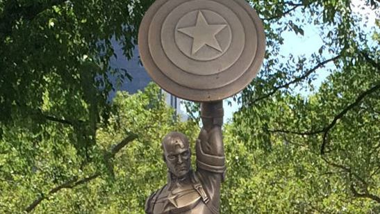 Polémica en Brooklyn por la estatua gigante del Capitán América