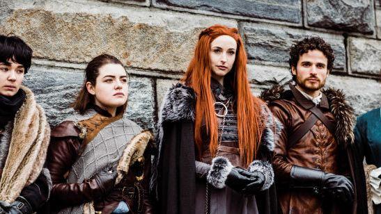 'Juego de tronos': Un grupo de fans se disfraza de los personajes de la serie para una pedida de mano