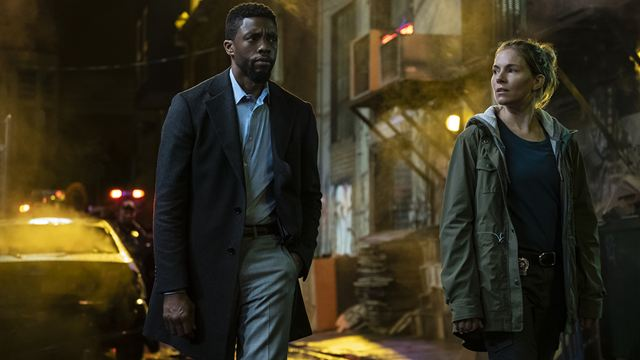'Manhattan sin salida': Chadwick Boseman tenía dificultades para mantener el ritmo de Sienna Miller