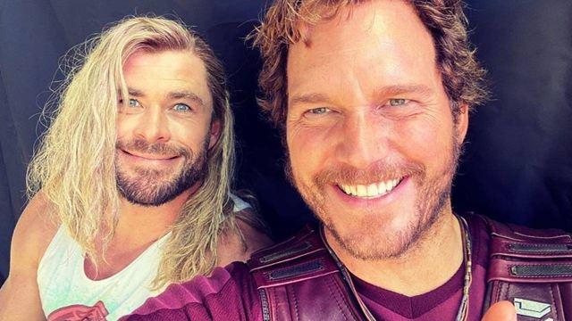 Chris Hemsworth felicita a Chris Evans con una foto de Chris Pratt desde el rodaje de 'Thor: Love and Thunder'