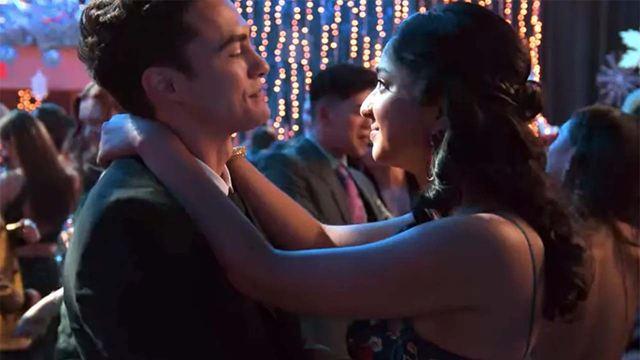 'Yo nunca' seguirá explorando el triángulo amoroso Devi-Ben-Paxton en la temporada 3
